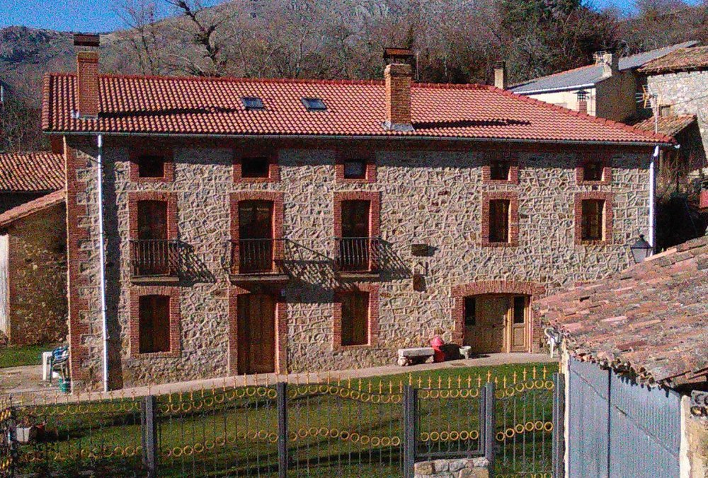 Casa y apartamentos Corral Casiano